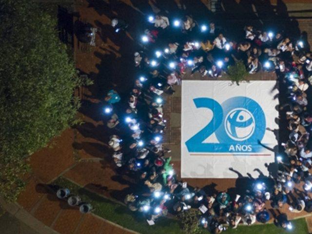 Conmemoración de los 20 años